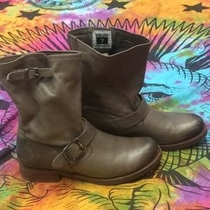 Frye Veronica Slouch Moto Buckle Boots Sz 8 Gray